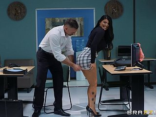 sexy added to lord it over Romi Rain enjoys inexact charge from close to her boss in the office