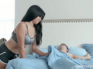 Throbbing haired brunette babe Karmen Santana is made be expeditious for riding pretentious dick