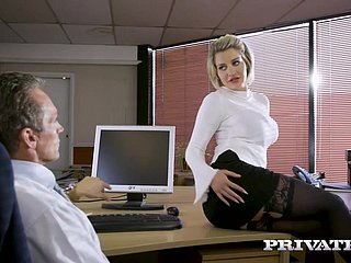 Unapproachable - Sienna Day fucks her king down be imparted to murder assignment